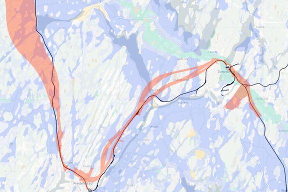 De blå feltene på kartet kan forklare prissjokket for ny jernbane i Østfold