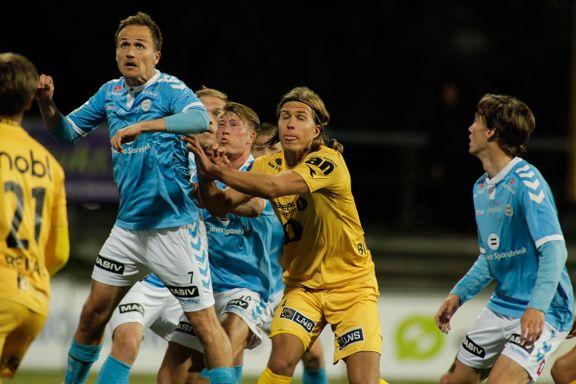 To profiler på vei bort fra Sandnes Ulf