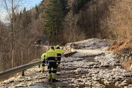 Nytt storskred i Leikanger. Hundrevis sperret inne i Alta. Derfor går det så mange skred nå.