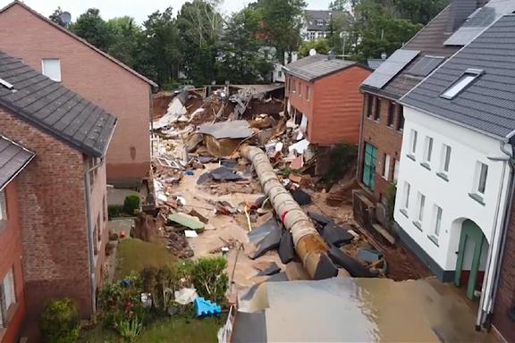 Gate i tysk by ble gravd ut av vannmassene
