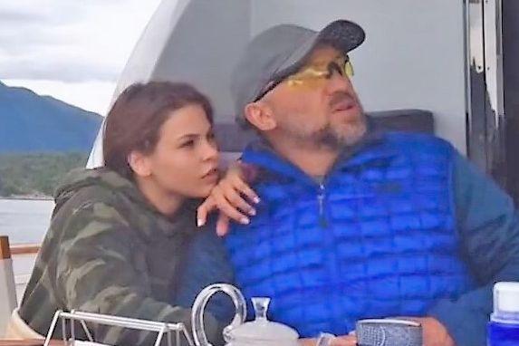 Eskortepiken dro på fisketur i Norge med en av verdens rikeste menn. Reisen endte i et bur i Thailand.
