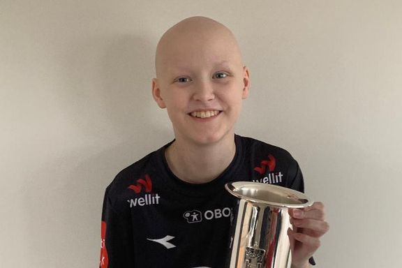 Kreftsyke Philip (13) passer på Vikings kongepokal: – Har aldri stått på en riktigere plass