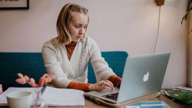 Hun kunne bruke 12 timer på skolearbeid, men fortsatt ha dårlig samvittighet