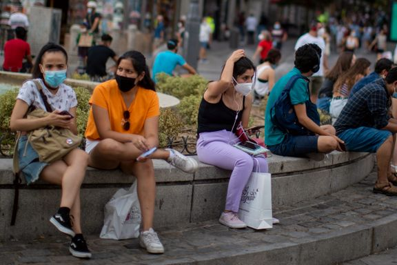De er blitt utpekt som syndebukker i pandemien. Samtidig truer en annen krise Spanias unge.