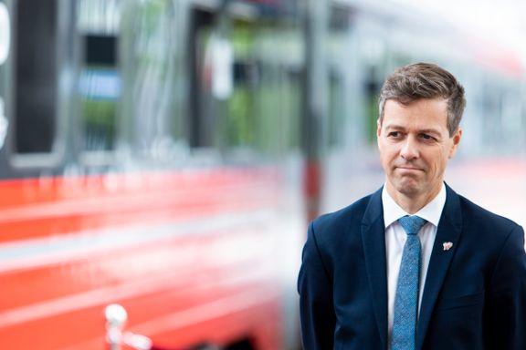 Fylkene angriper regjeringens jernbanekutt: Brutte løfter og puslete ambisjoner