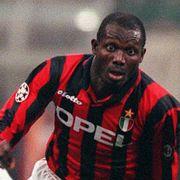 Den tidligere Milan-stjernen må slåss mot slanger som president i hjemlandet