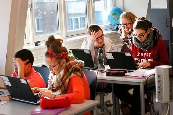 Ved Språksenteret i Oslo lærer nyankomne elever norsk på kort tid.