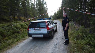 Mor og sønn nekter straffskyld etter båldrapet i Søndre Land