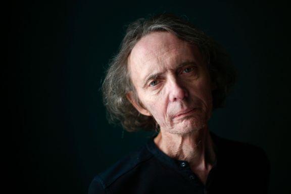 Henning Hagerup kommer fra en kunstnerfamilie preget av alkoholisme og grenseløshet. Nå hylles han av Litteratur-Norge.