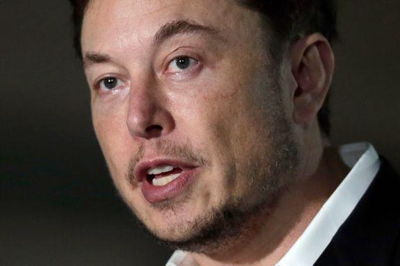 Musk legger seg flat og beklager pedofil-anklager