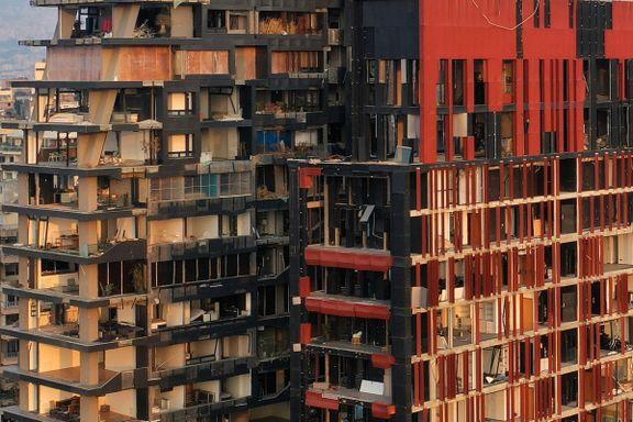 Reparasjonsarbeidet går sakte. Mange steder ser man tvers gjennom leilighetene.