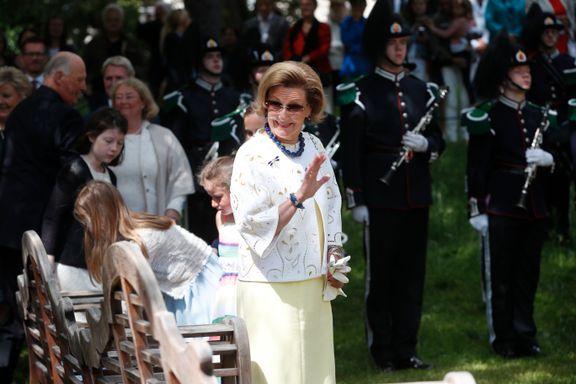 80 års- feiringen er i gang: Dette er kongens bursdagsgave til dronning Sonja