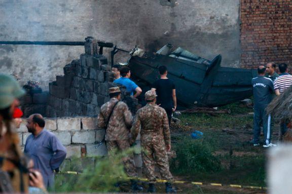 Militærfly styrtet inn i hus - minst 17 omkom