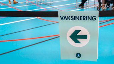 Norge bør stille seg bak i køen i fordelingen av vaksinene