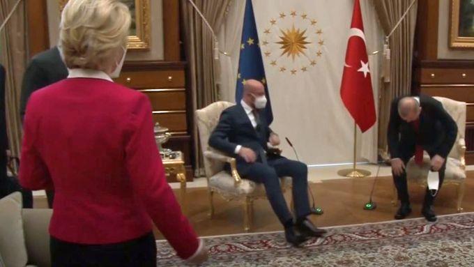 Pinlig øyeblikk da EU-presidenten besøkte Tyrkia