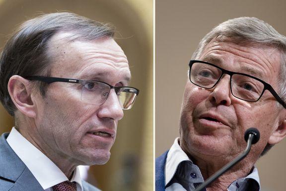 Norge «forstår» angrepet i Syria. Andre land «støtter» det.   Ordvalget er nok ikke tilfeldig, mener Norges tidligere utenriksministre.