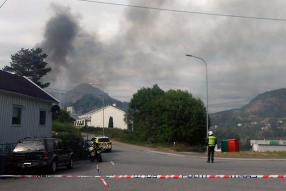 Brann i parkeringsanlegg i Bergen slukket – området er fortsatt evakuert