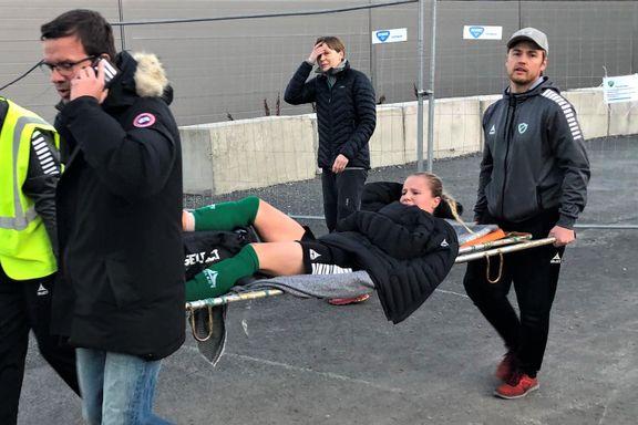 De detonerte nesten cupbomben, så endte målscorer Sandra (23) på sykehuset