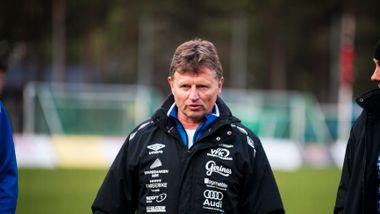 Vindbjart-treneren startet innsamlingsaksjon på Facebook. Så fikk han beskjed om å fjerne den.