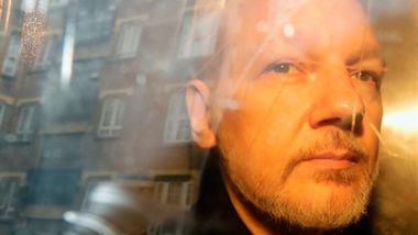 Skjebnedag for Assange mandag