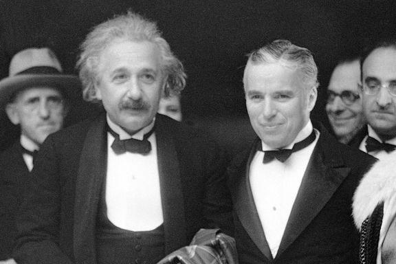 Einsteins skinnjakke solgt på auksjon