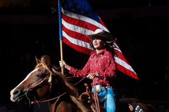 Cowgirl, guvernør og president? Hun håper å bli Trumps arvtaker i 2024.