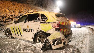 Politibil på utrykning kolliderte - fire til sykehus