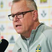 Sverige-tur til Qatar får hard kritikk: – Spiller gjerne på gravene