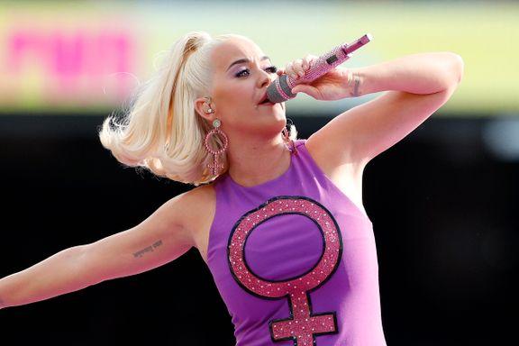 «Det er ikke lett å henge med som popstjerne. Katy Perry klarer det bare nesten.»
