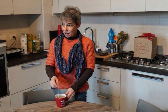 Før kunne Elena Simone forsørge seg og sønnen sin. Nå lever de på mat fra veldedighet.