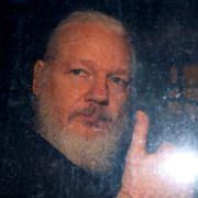 USA kunngjør 17 nye tiltalepunkter mot Julian Assange: – Dette er galskap