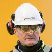 Han er sjef i et av landets største industrikonsern. Nå tror han tusener kan miste jobben.