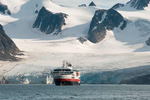 Hurtigruten selger Svalbard-eiendommer for 690 millioner kroner