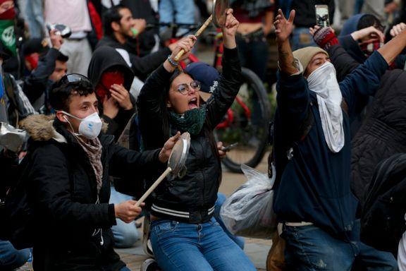 Presidenten lover samtaler med demonstrantene