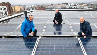 De rødgrønne vil fjerne avgift på solceller i borettslag