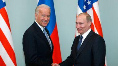 Biden inviterte Putin til toppmøte. Så sendte han ti russiske diplomater hjem.
