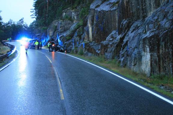 Bilen holdt relativt lav fart, men det endte likevel katastrofalt. Disse feilene fører oftest til alvorlige ulykker.