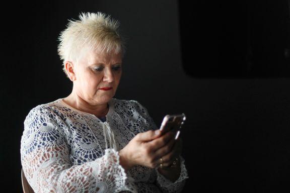 Da datteren fikk kreft, inviterte Ida Simonsen (56) hele Norge inn. Nå advarer helsepersonell mot å dele bilder av syke barn i sosiale medier.
