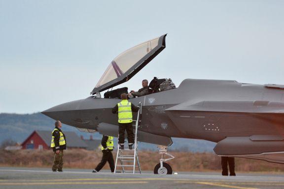 Kampflyene koster 268 milliarder kroner. Nå fryktes det at det ikke er nok piloter til å fly dem.