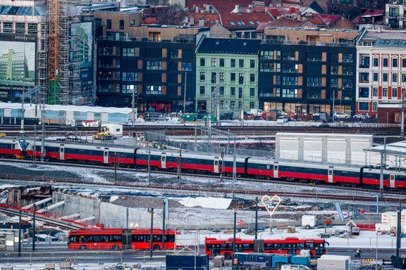 Aftenpostens politiske redaktør sporer av om jernbanepakken