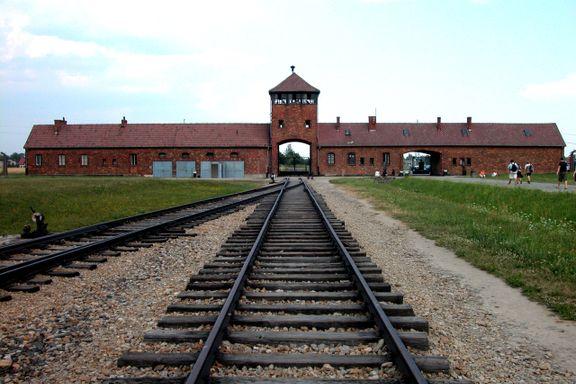 Statsledere og overlevende til Auschwitz for å minnes frigjøringen