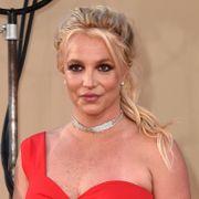 Britney Spears får hyre egen advokat