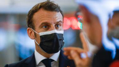 Frankrike stenger skoler og innfører portforbud: - Vi risikerer å miste kontrollen