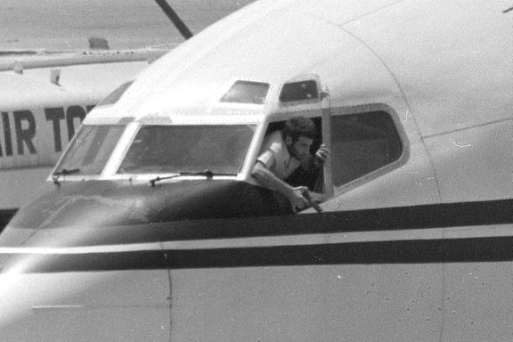 Mener å ha pågrepet mann som kapret fly for 34 år siden