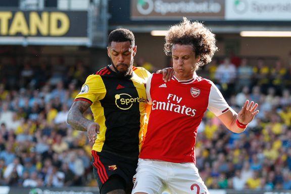 Arsenal rotet det til for seg selv. Gikk på poengtap mot Watford.