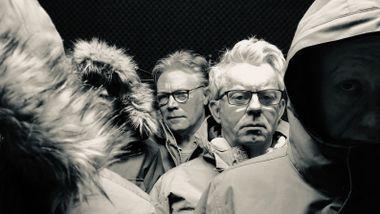 Vi flirer hele veien til Arktis av Knut Nærums hørespill