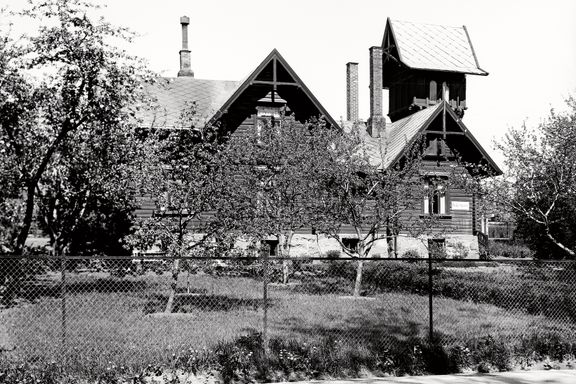 Oslo før: Kan Fornebubanen vekke liv i dette gamle knutepunktet?