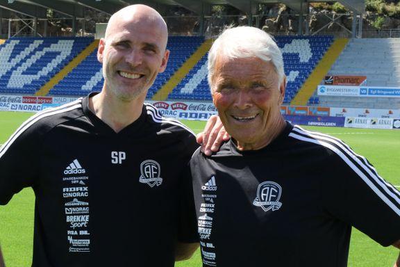 To år etter at begge forlot Start, er far og sønn Pedersen gjenforent i Arendal