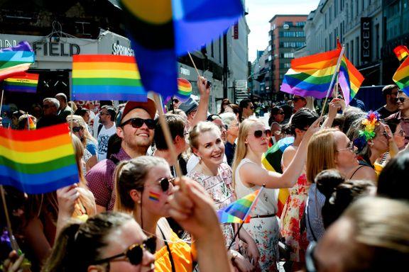 Det startet med et voldsomt opprør i USA for snart 50 år siden. Nå ventes 250.000 til lørdagens parade.