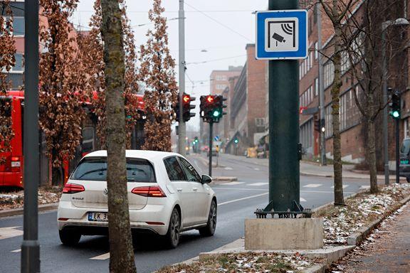 Kjører du elbil? Fra 1. januar ble bomtaksten utenom rushen doblet.